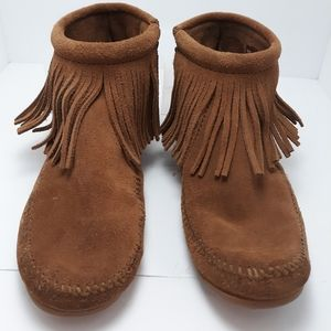 Minnetonka fringed side zip ankle boots